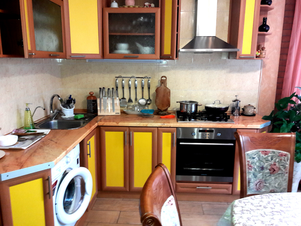 Апартаменты кухня частного дома отдыха У Натали Крым Севастополь Любимовка