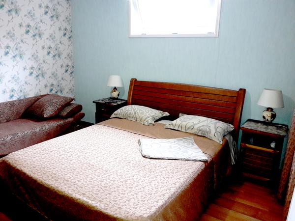Апартаменты  спальня в частном доме отдыха  У Натали Крым Любимовка Севастополь
