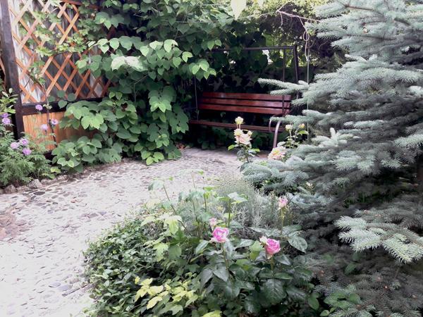 скамейка качеля в доме отдыха у натали крым любимовка севастополь