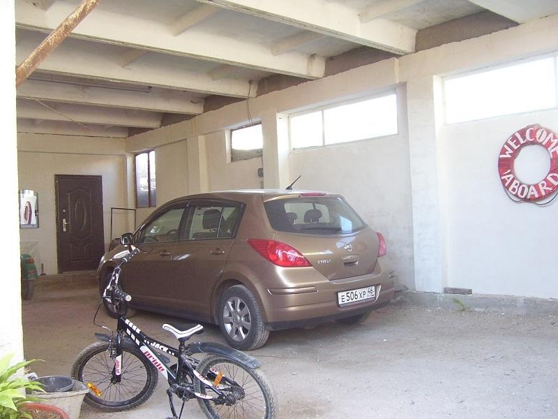 Гараж на 5 авто в частном доме отдыха У Натали