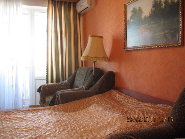 Трёх комнатная квартира в Севастополе Любимовка, гарнизон.