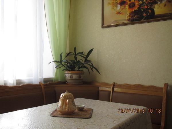 Трёх комнатная квартира в Севастополе Любимовка гарнизон кухня
